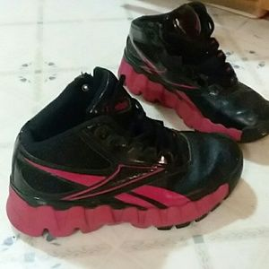 Reebok red and black shoes